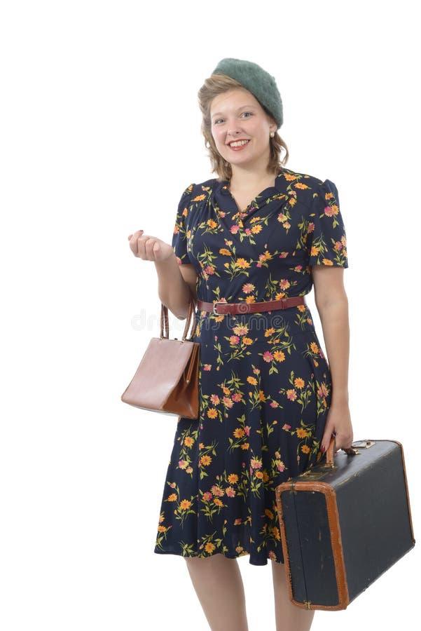 Jolie femme avec les vêtements 1940 image stock