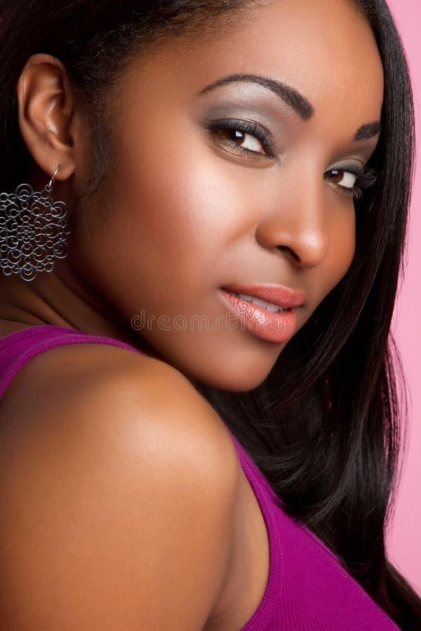 Jolie femme de couleur photo stock