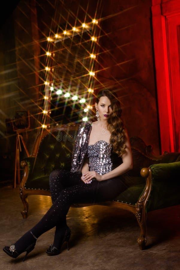 Jolie fille dans le cabaret photos libres de droits