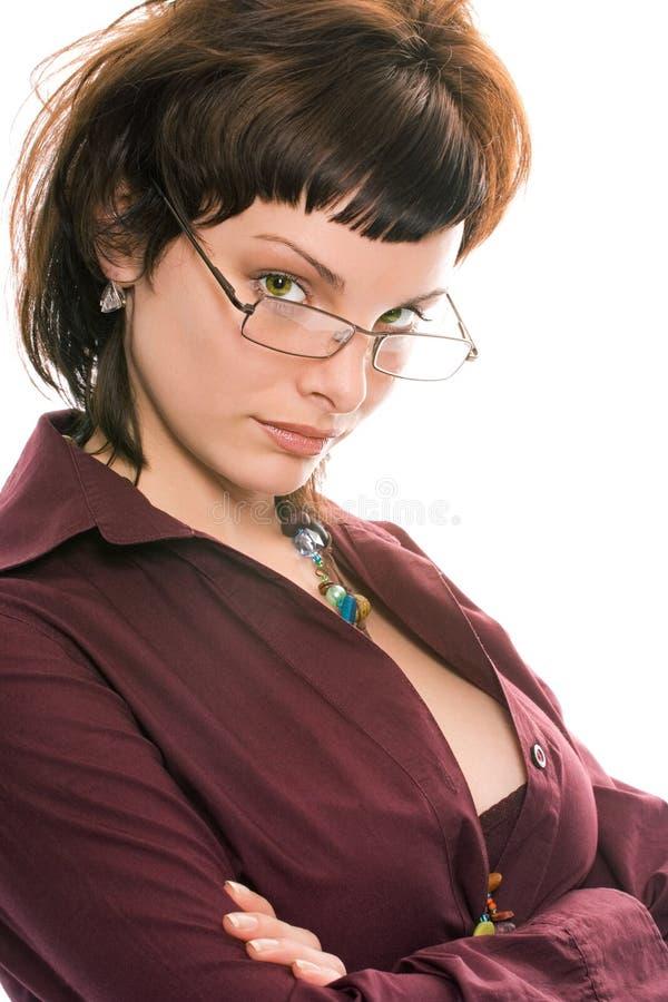 Jolie fille de brunette en verticale en verre photos libres de droits