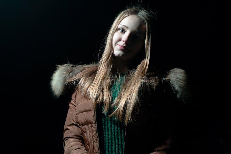 Jolie fille en hiver images libres de droits