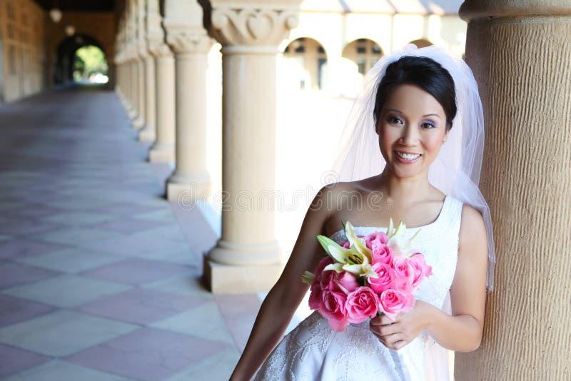 Jolie mariée de femme (éclairage normal) image libre de droits
