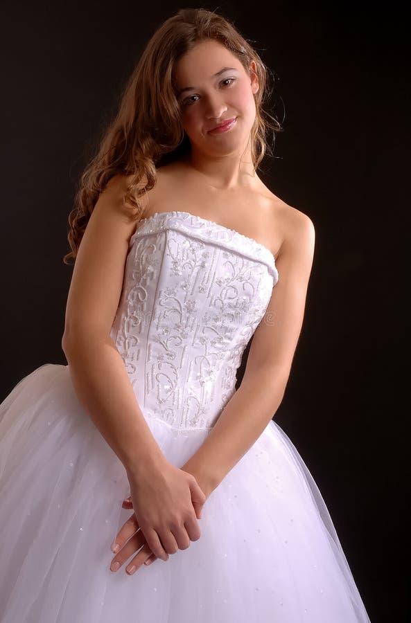 Jolie robe de bal d'étudiants photographie stock libre de droits