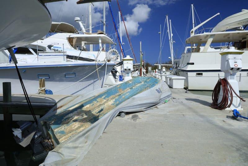 Jolle som krossas på Boca Chica Marina royaltyfri fotografi