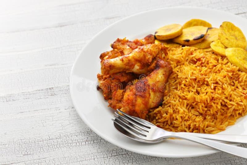 Jollof ryż, zachodni - afrykańska kuchnia obrazy stock