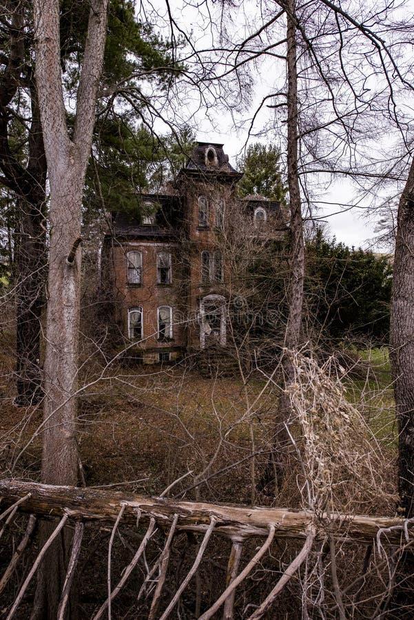 Jonathan Knight House - Brownsville abbandonati, Pensilvania fotografia stock libera da diritti