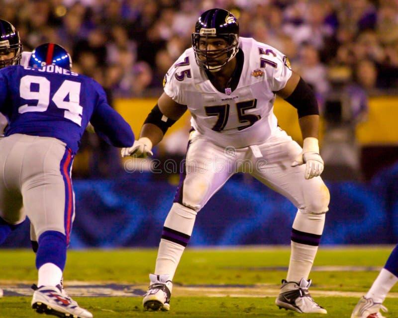 Jonathan Ogden Baltimore Ravensvänstersidaredskap royaltyfri foto