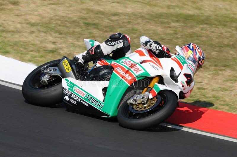 Jonathan Rea GBR Honda CBR1000RR Castrol Honda i handling under Superbikeövningen i Imola Circuit fotografering för bildbyråer