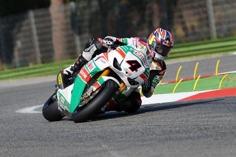 Jonathan Rea GBR Honda CBR1000RR Castrol Honda na ação durante a prática do Superbike em Imola Circuit imagens de stock royalty free
