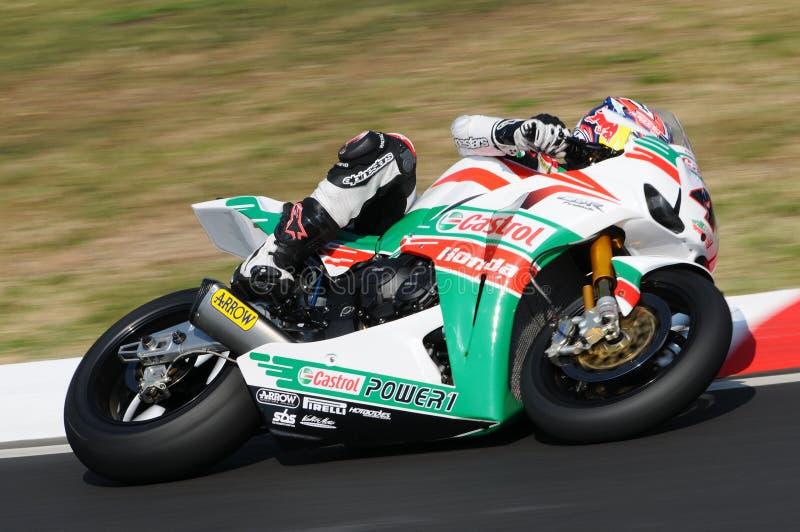 Jonathan Rea GBR Honda CBR1000RR Castrol Honda w akci podczas Superbike Ćwiczy w Imola obwodzie fotografia royalty free