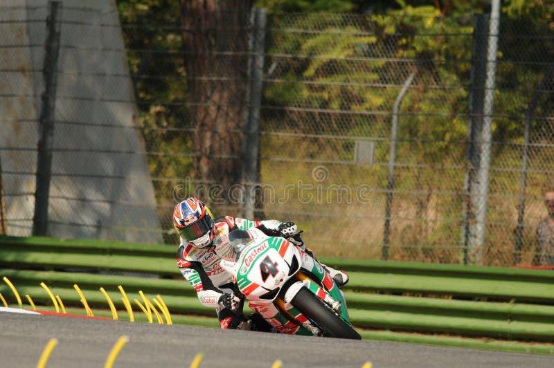 Jonathan Rea GBR Honda CBR1000RR Castrol Honda w akci podczas Superbike Ćwiczy w Imola obwodzie zdjęcia royalty free