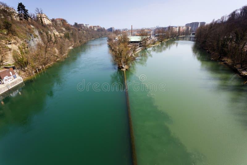 Jonction de deux rivières photo stock
