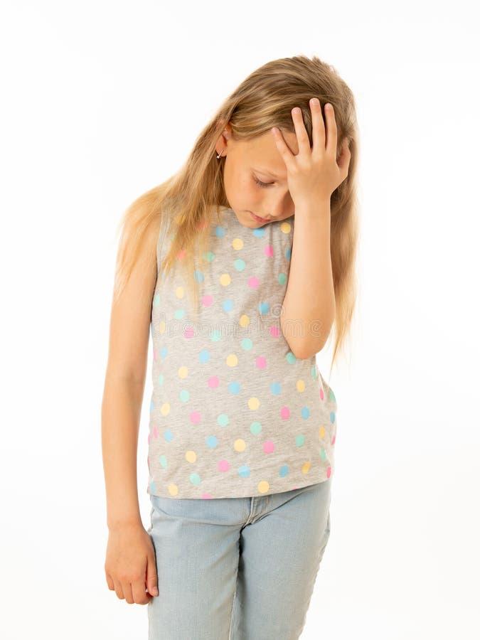 Jong, droevig, ongelukkig, hulpeloos vermoeid meisje die aan depressie lijden Menselijke emoties, het bulling royalty-vrije stock foto's