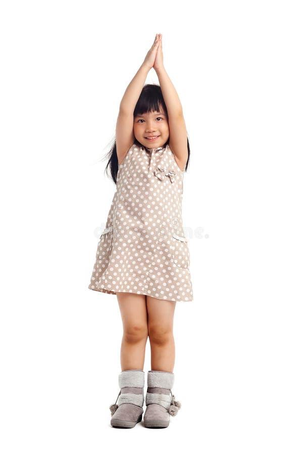 Jong geitje met omhoog handen stock foto's