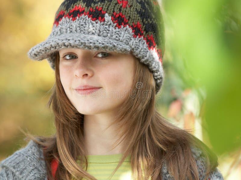 Jong Meisje in het Bos van de Herfst royalty-vrije stock fotografie