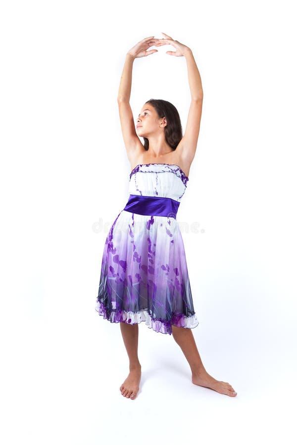 Jong meisje het praktizeren ballet stock afbeeldingen