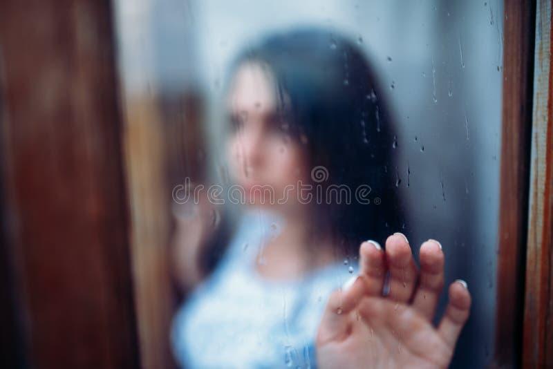 Jong melancholisch en droevig meisjesportret royalty-vrije stock foto's