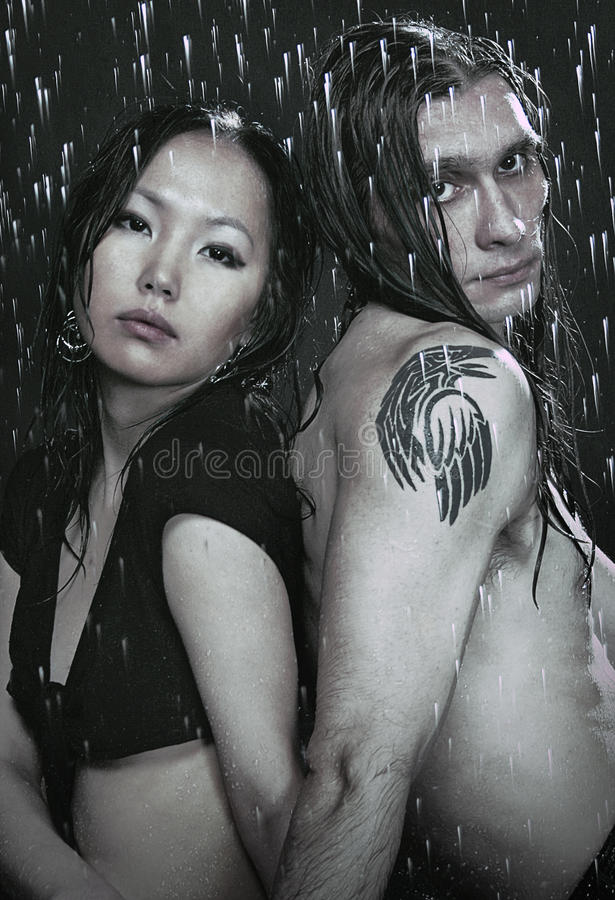 Jong paar in aquastudio royalty-vrije stock afbeelding