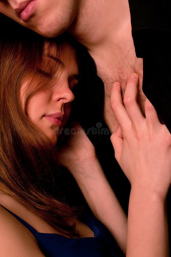 Jong paar: dramatisch portret stock afbeeldingen