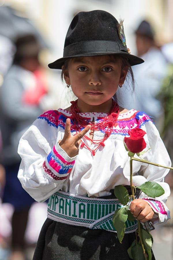 Jong quechua meisje in traditionele kleding royalty-vrije stock afbeeldingen