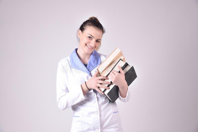 Jong verpleegstersportret stock foto's