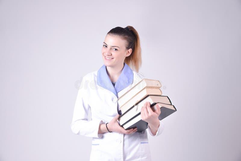 Jong verpleegstersportret royalty-vrije stock afbeelding