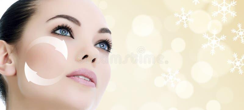 Jong vrouwen` s gezicht, antiaging concept stock foto