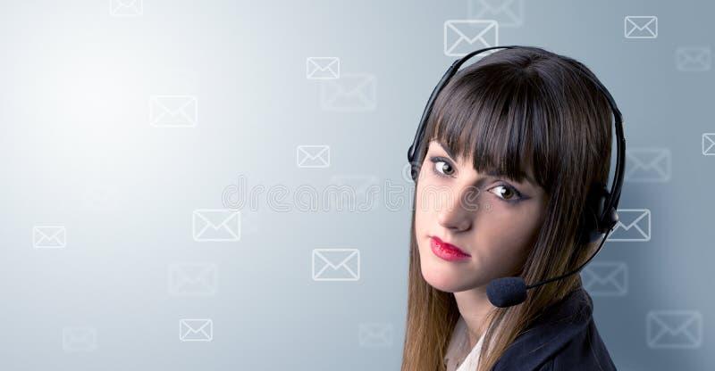 Jong wijfje telemarketer stock foto