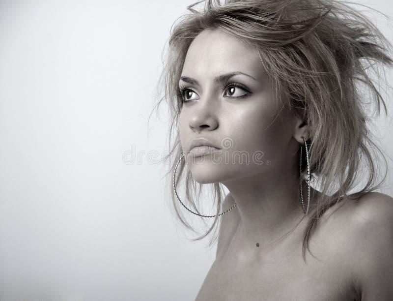 Jonge aantrekkelijke dame stock afbeelding