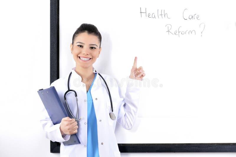 Jonge aantrekkelijke medische student royalty-vrije stock afbeelding