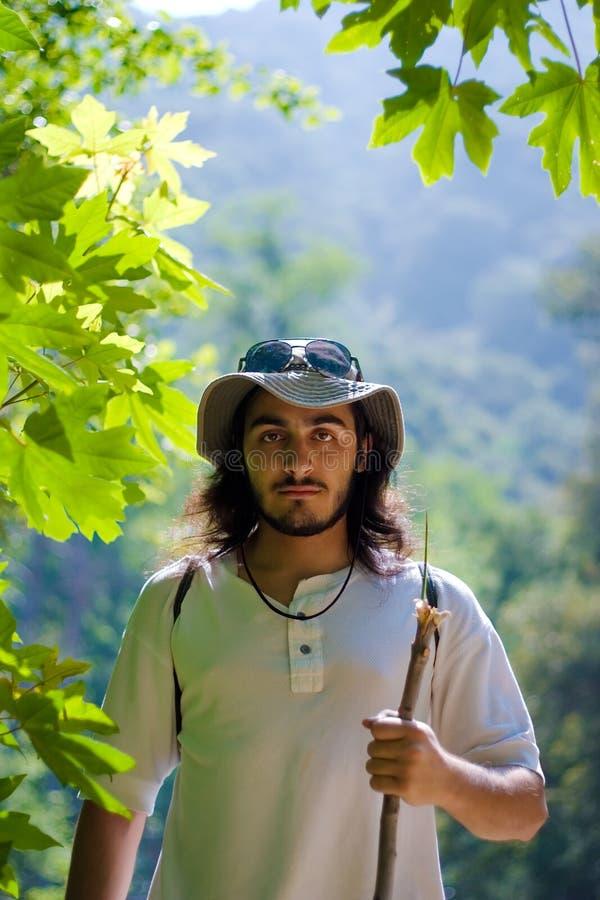 Jonge actieve mens in openlucht royalty-vrije stock foto