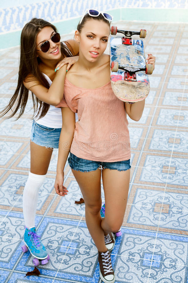 Jonge actieve vrouwen stock fotografie