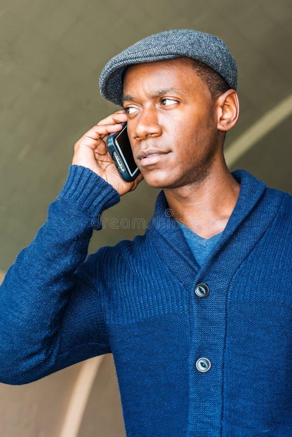 Jonge Afrikaanse Amerikaanse Mens die in New York reizen royalty-vrije stock foto