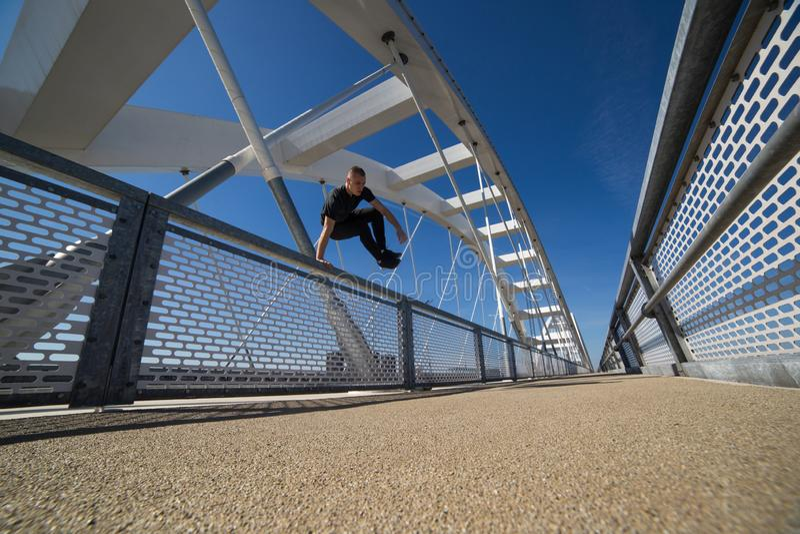 Jonge Atleet Practicing Outdoor royalty-vrije stock fotografie