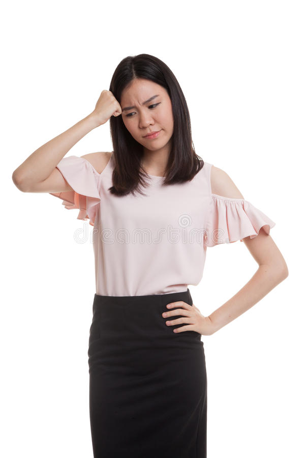 Jonge Aziatische bedrijfsvrouw gekregen ziek en hoofdpijn stock fotografie