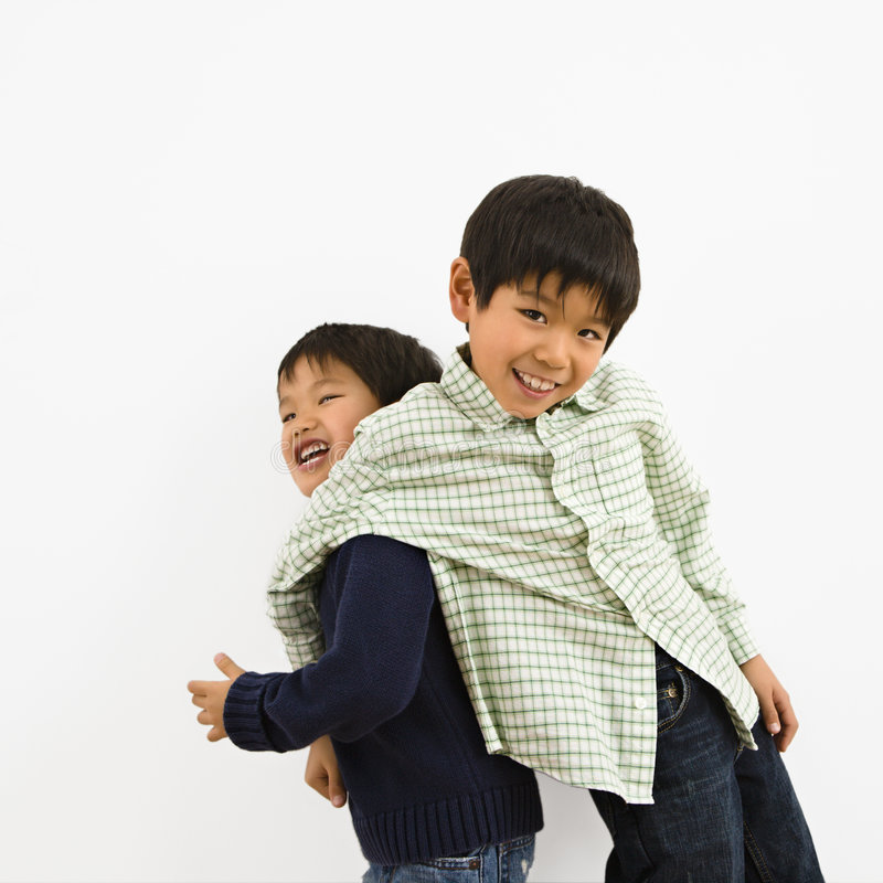Jonge Aziatische broers royalty-vrije stock foto's