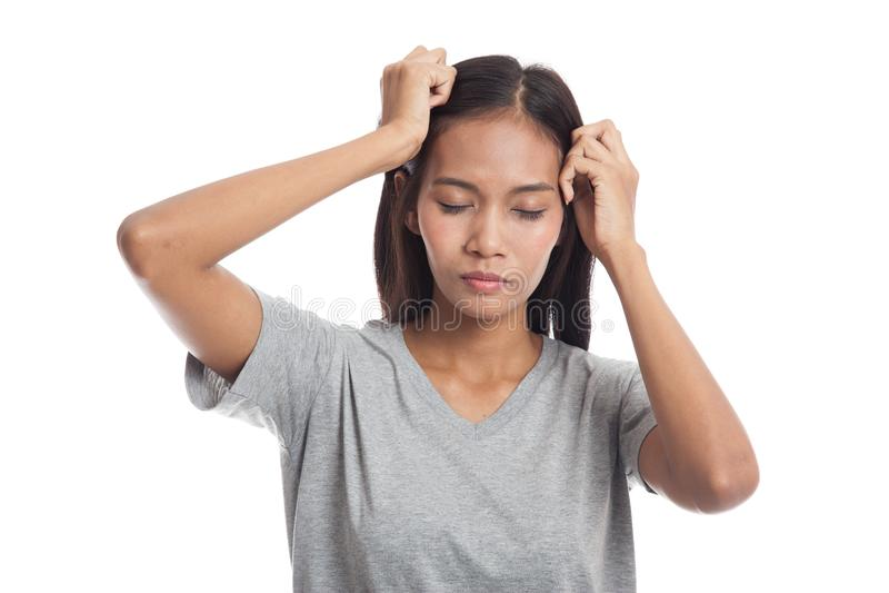 Jonge Aziatische vrouw gekregen ziek en hoofdpijn stock afbeelding