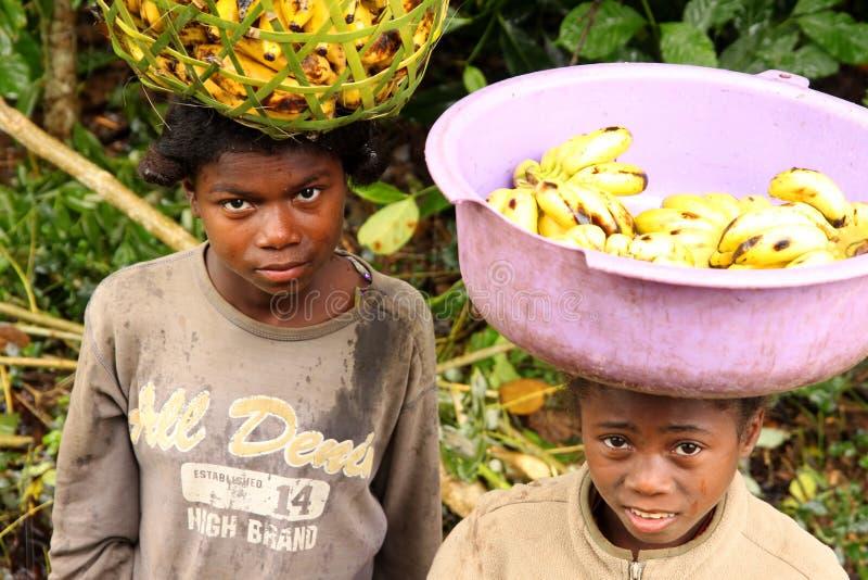 Jonge banaanverkopers royalty-vrije stock afbeeldingen