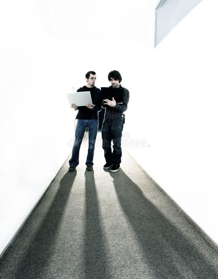 Jonge bedrijfsmensen stock foto's