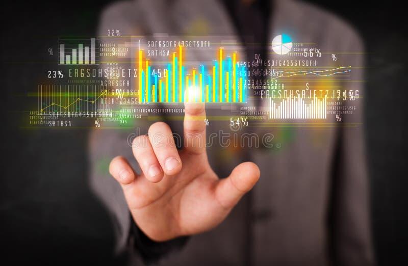 Download Jonge Bedrijfspersoon Wat Betreft Kleurrijke Grafieken Stock Afbeelding - Afbeelding bestaande uit monitor, crisis: 39100837
