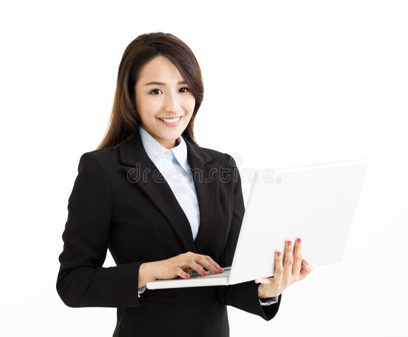 Jonge bedrijfsvrouw met laptop stock afbeeldingen