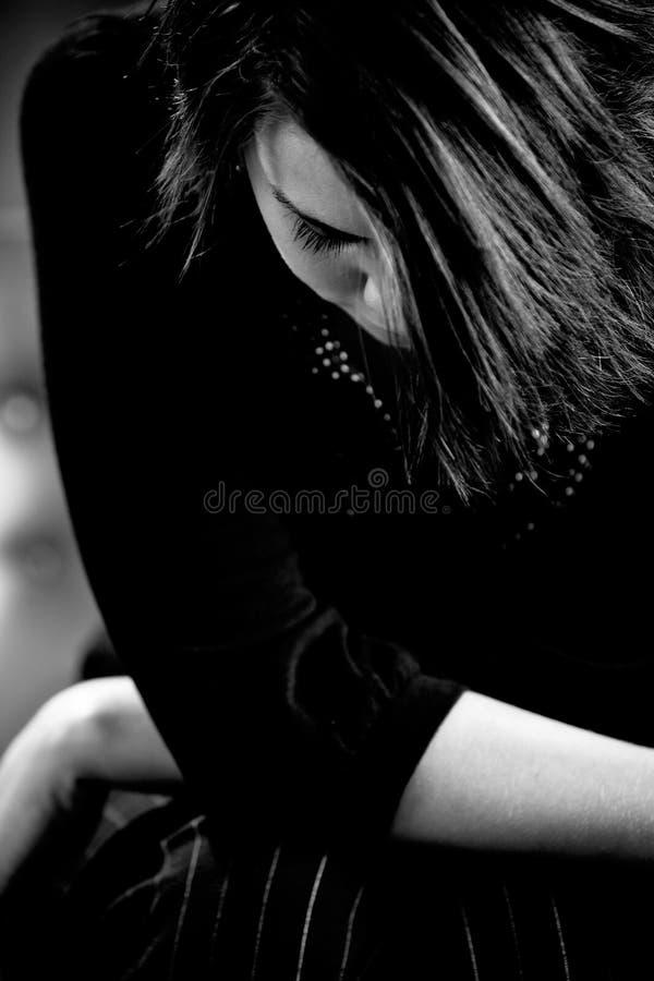 Jonge Dame met gebogen hoofd stock fotografie
