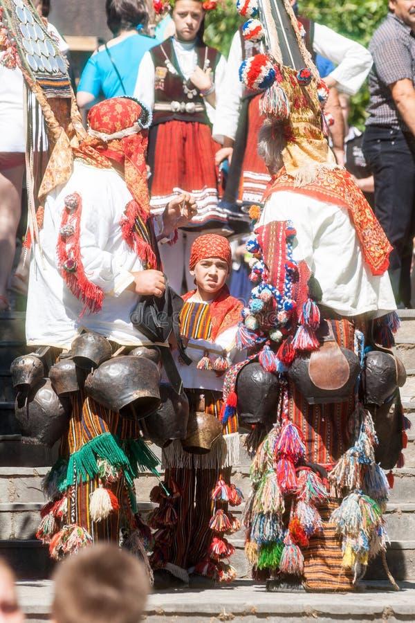 Jonge deelnemers van Rose Festival in Karlovo bulgarije royalty-vrije stock afbeeldingen