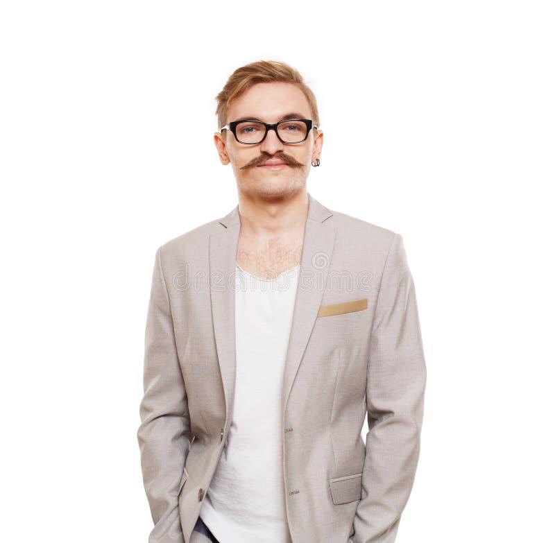 Jonge die mens in glazenportret bij wit wordt geïsoleerd stock foto