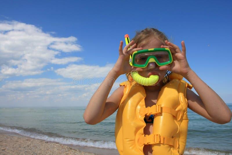 Jonge duiker met apparatuur stock foto