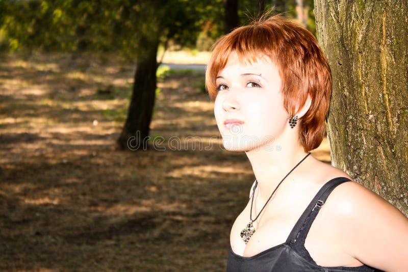Jonge enige vrouw royalty-vrije stock afbeeldingen
