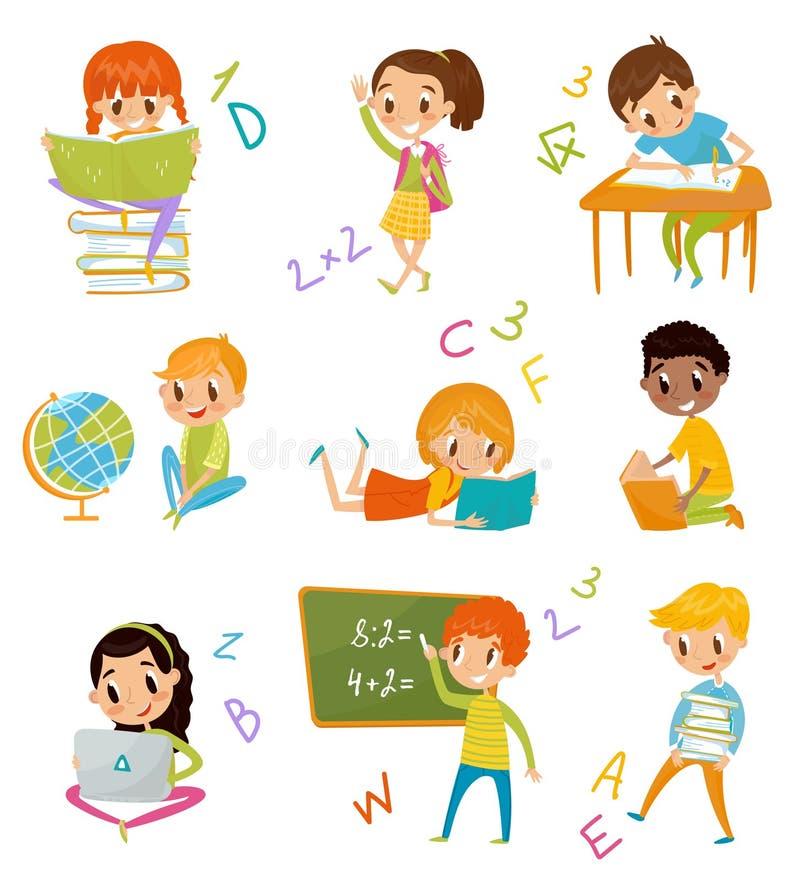 Jonge geitjes bij schoolreeks, leuke jongens en meisjes bij les van aardrijkskunde, literatuur, wiskunde vectorillustraties op ee vector illustratie