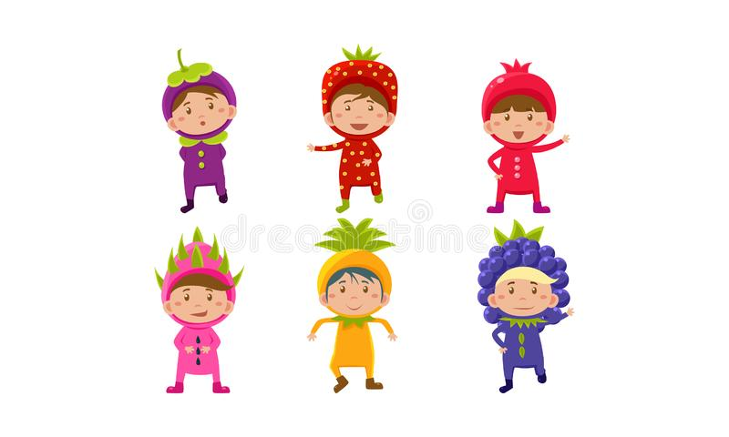 Jonge geitjes in Carnaval-geplaatste kostuums, leuke kleine jongens en meisjes die vruchten en berriess kostuums, mangostan, gran vector illustratie