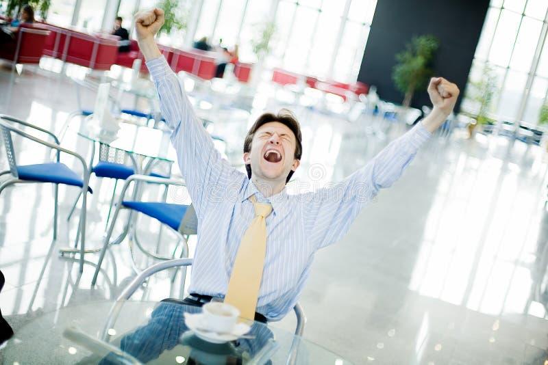 Jonge gelukkige mens royalty-vrije stock afbeelding