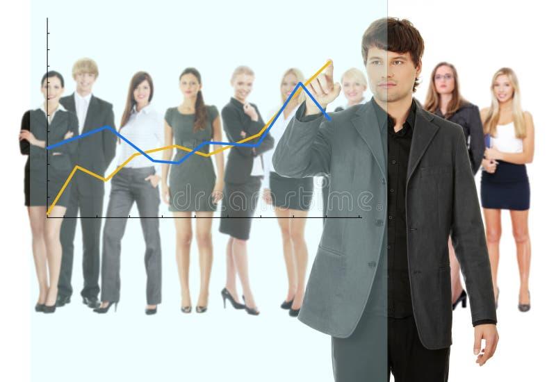 Jonge gelukkige onderneemster die de groei op grafiek richt royalty-vrije stock afbeelding